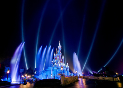 Disneyland Paris - Le Château de la Belle au Bois Dormant Christmas Lighting by Tom.Bricker on Flickr.