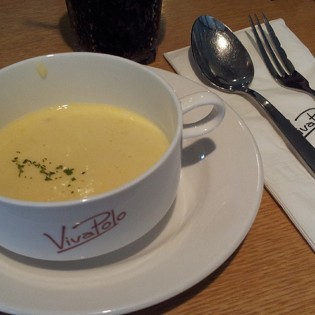 Yummmmmmy! Corn cream soup can't go wrong! (Viva polo에서)