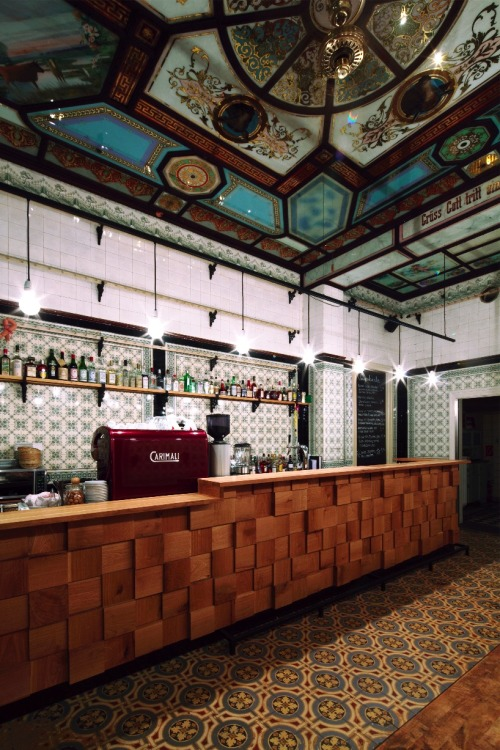 aros:  michael grzesiak transforms a century old butcher shop into a bar