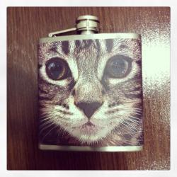 genderneutrallez:  My New Flask.