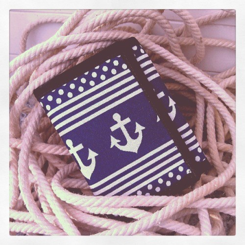 handmade anchor wallet // #customorder #nautical #anchor #seaside #purse #wallet #shoplocalthinkglobal  (hier: nähmarie)