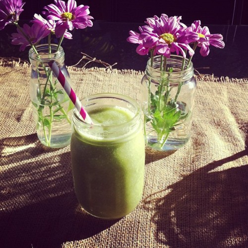 #goodmorning #sunshine #greensmoothie #flowers #beautiful #delish #healthyliving
