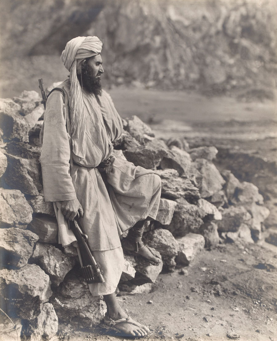 gunsandposes:  A Waziri tribesman, 1919. Photograph by Randolph Bezzant Holmes (1888-1973). From the collection of the National Army Museum, London.