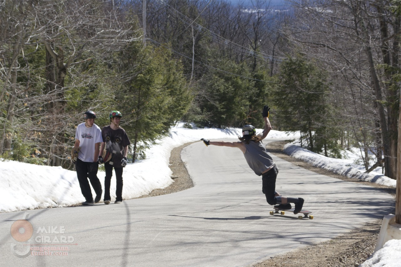 Stefan wooing the boys. NH. Toeside check. Photo by me. -MG