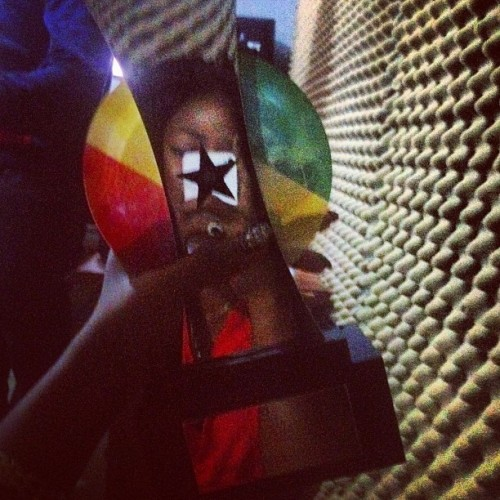 Music Producer Of The Year  2013 Vodafone Ghana Music Award 👉KILL BEATZ 🙅🙅🙅🙅 👏👏👏👏👏#teamr2bees#wegohigherbruh
