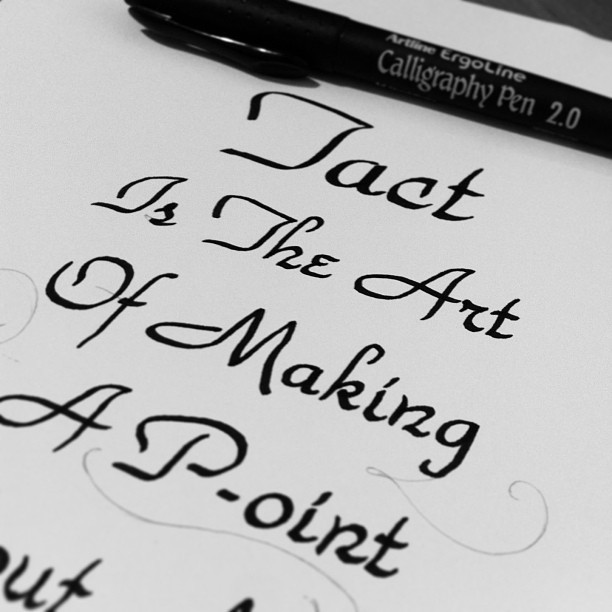 Last night sketching some ideas trying to get my p-oint of view #calligraphy #lettering