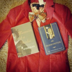 My #thrifted finds. #velvet #blazer #vintage #bowtie #books #bibliophile #Frankenstein #memoirsofageisha #thrift #thrifting