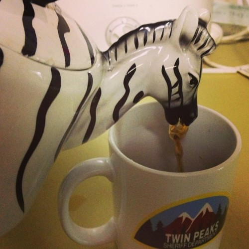 my new teapot makes it look like a zebra is vomiting into my mug