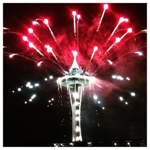 Happy New Year!! 🎉🎊🌃 #seattle @markdavidlol