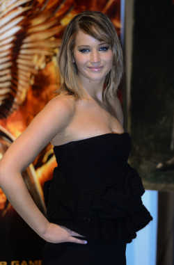 somecelebrities:  Jennifer Lawrence