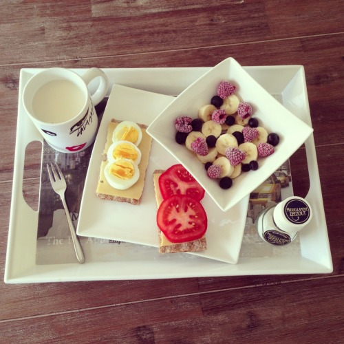 melanie-is-healthy:  Bon apetit