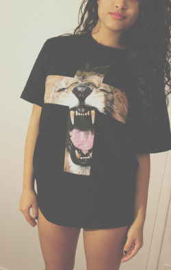 ultimatebeauties:  GET THE LION ROAR TEE→ OR SHOP FULL ANIMAL PRINT COLLECTION HERE→ every item you order from the ultimatebeauties fashion collection, gives you a free weeks worth of advertisement for your blog/website (bonus: gain lot's of followers) learn more→