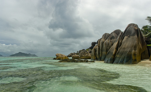 evysinspirations:  Núvols sobre La Digue / Clouds above La Digue by SBA73 on Flickr. La Digue, Seychelles