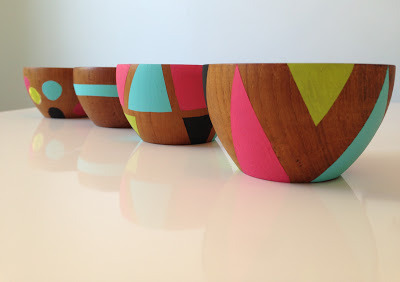 scissorsandthread:  Geo Bowls | Doe A Deery I can't get enough of the mod geo shapes & colours that are everywhere right now. These bowls are so fun and easy to create. If you don't have wooden bowls, try ceramic paints and white bowls. These patterns would also look awesome on wide wooden bangles!