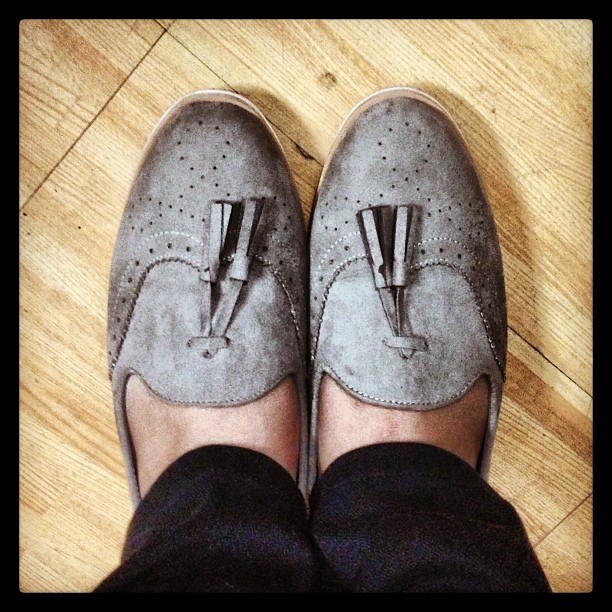 #ShoesOfTheDay #Forever21 soooo comfy!! 😜