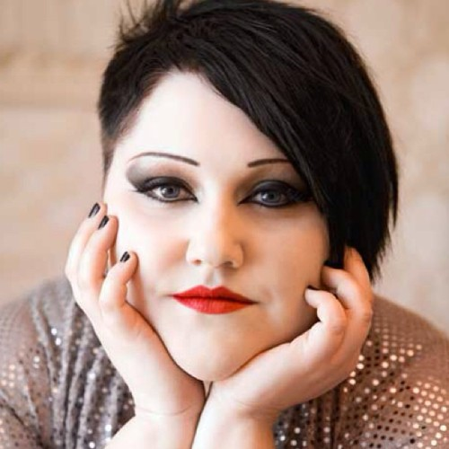 weallhavegunsforhands:  #wcw Beth Ditto. One of my favorite lesbians. She's so fucking gorgeous. #bethditto