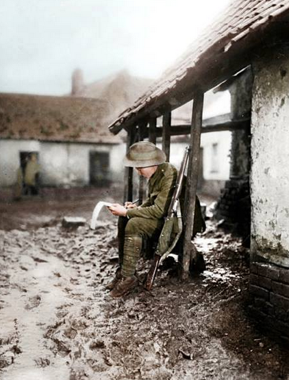 bantarleton:  An Australian soldier writes home from his billet on the Somme front, 1916.