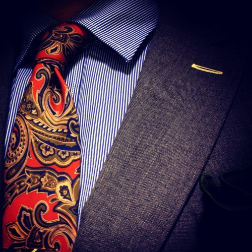 todaystie:  Paul Smith shirt -Etro tie- Gant jacket -Alexander Olch pocketsquare