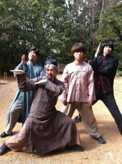 mraizuddin:  wa chaaaa!!! wanna fight? hahaha.. LOL …nice hair for Gwang So.. Running Man