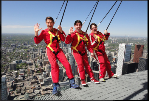 @Chrisoshow: HELLO from the 2nd tallest building in the world! @MarkHEvans @CodyCobbler #toronto #wedidit! #amazingday