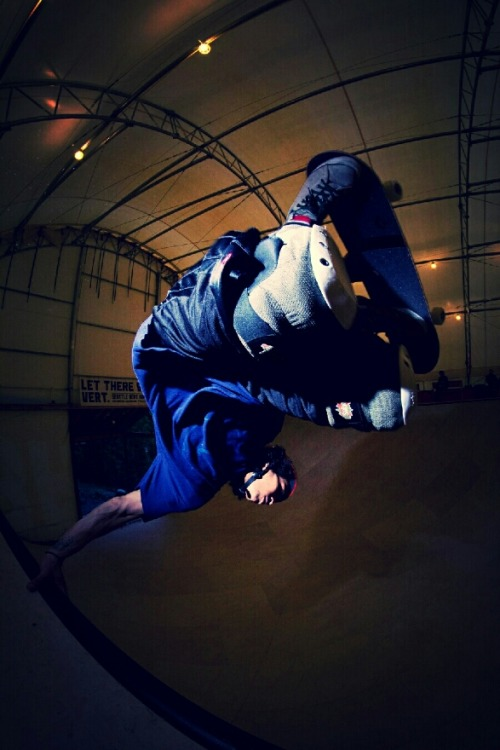 Sausage team rider Bobby Dodd invert at the West Seattle vert ramp  photo by Josh James