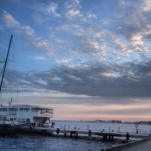 Pretty night sky … (at Harbourfront Boardwalk)