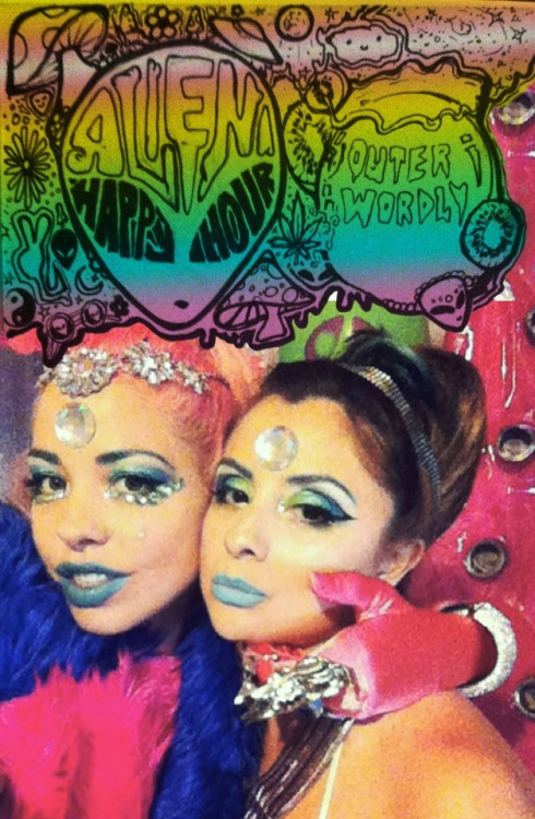 my friend Macy and I @ her alien prom pool party. Make up and artwork by Macy. Http://instagram.com/erikaviereck