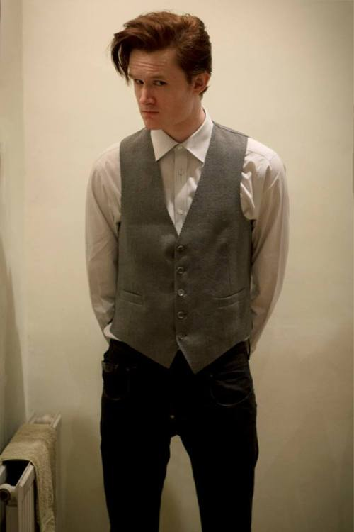 matteleven:  My new 'vintage' waistcoat has arrived! The series 7 costume is finally coming together: a new bow tie should arrive this week and my 'frock coat' has been dyed and is now being adjusted. I hope to have the outfit ready in time for my photo with Jenna at Collectormania in Milton Keynes on Saturday, and I'm also going to be at MCM Expo this Sunday!