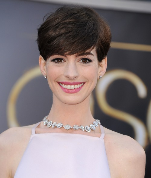 Recreate Les Miserables star Anne Hathaway's ultra-glamorous rosebud lips and simple eyeliner in six simple steps »