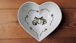 Pretty & practical gift idea for Mothers Day this Sunday; kissing Rabbits ceramic bowl I post items First Class, so if you're in the UK you still have time!  Use the coupon code SWEET10 at the checkout to get 10% off your order https://www.etsy.com/shop/gallonsofink