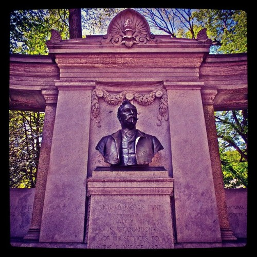 Central Park East NYC: William Morris Hunt Monument #beauxarts #sculpture #statues #monument #statue #newyorkcity #nyc #centralpark #cpk #centralparkeast #instanyc #5thavenue #uppereastside #ues