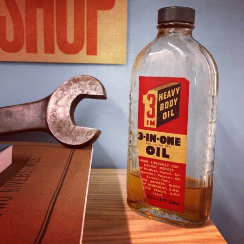 Excited to add a new oil bottle to our collection. 3-in-1 from yesteryear.