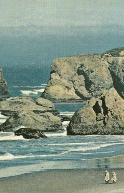 vintagenatgeographic:  Bandon, Oregon National Geographic | November 1961