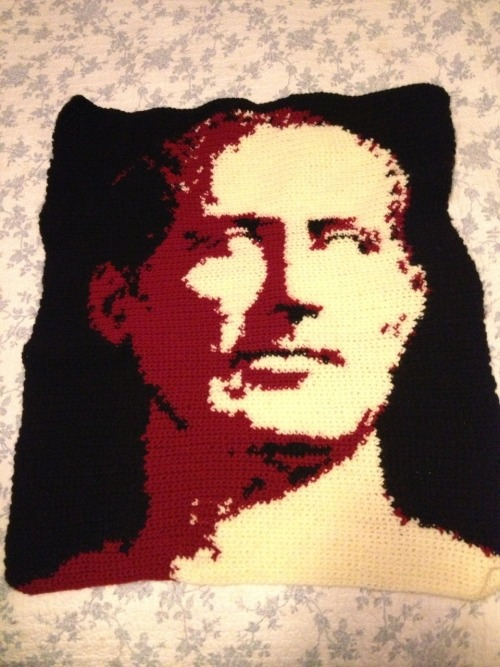 anayim-girl:  Finished my Latin project! A crocheted portrait of Julius Caesar; all done by me pattern by me  My hands are swollen from working on this for hours on end