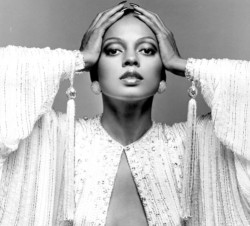 theglitterguide:  Beauty Icon: Diana Ross