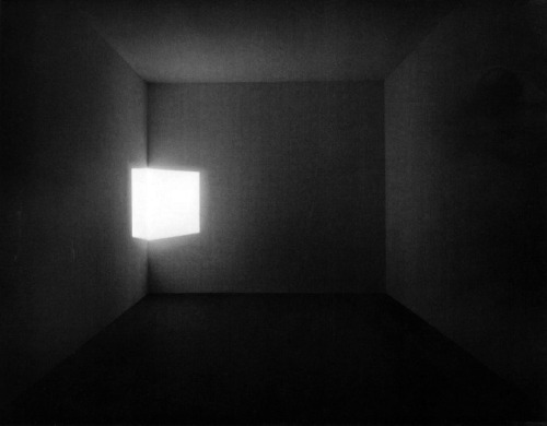 James Turrell, Afrum-Blue, site-specific light projection, 1967