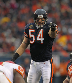 "bleacherreport:  Former Chicago Bears linebacker Brian Urlacher has announced his retirement from the NFL after 13 seasons.Urlacher was an eight-time Pro Bowler and five-time All-Pro, and says via his Twitter (@BUrlacher54), ""I will miss this great game, but I leave it with no regrets."""