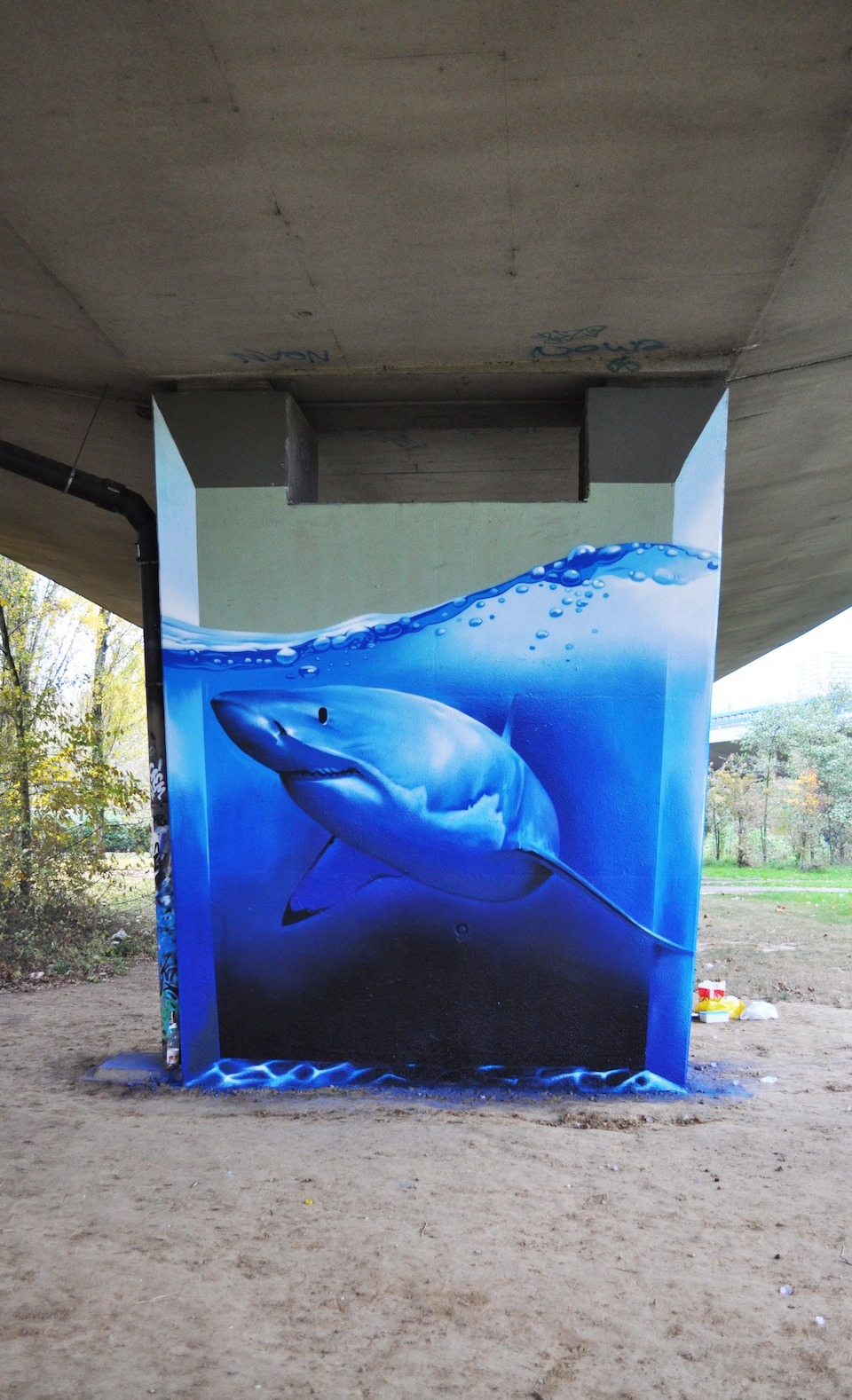 paintforwords:  Bridge graffiti by smates in Brussels, Belgium.