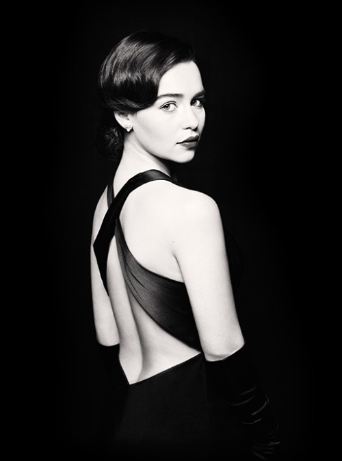 The Khaleesi (a.k.a. Game of Thrones star Emilia Clarke) looks pretty stunning as Holly Golightly in the upcoming Broadway production of Breakfast at Tiffany's.