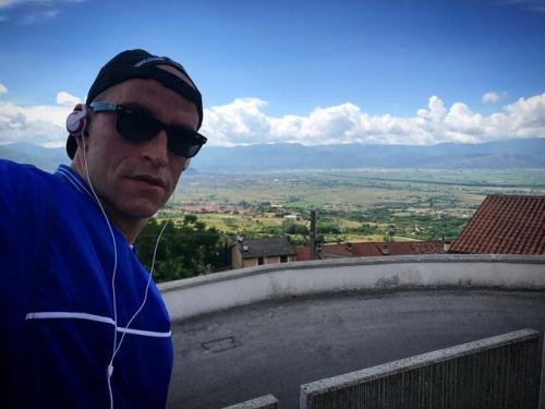 conca landscape panorama followme seguimietiseguo aielli instalike piazza fucino iphone7plus perfetto selfie balcone picoftheday photooftheday picture 1050m