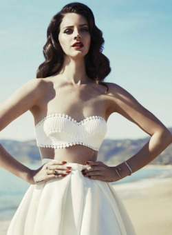 thefashionatelier:  Lana Del Rey photographed by Mark Williams & Sara Hirakawa for Fashion Canada Summer 2013