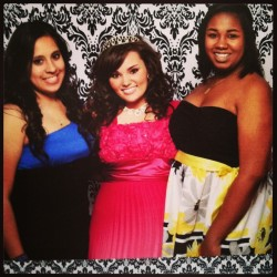 These girls💜 #party #photobooth #dress #birthday #memories #love @k3nnaz @tyrajohnson_