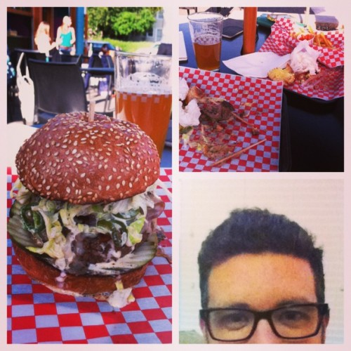14/31 Slowburger. #hammayburgers good pick, @lfreema #slowburger (at Slowburger)