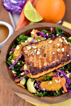 yummyinmytumbly:  Asian Kale & Salmon Salad