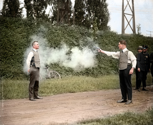 zuzahin:  W.H. Murphy being shot by his unnamed associate on the 13th of October, 1923 - They're displaying the protective properties of their newly invented bulletproof vest infront of the Fredericksburg P.D., marketing at its finest.