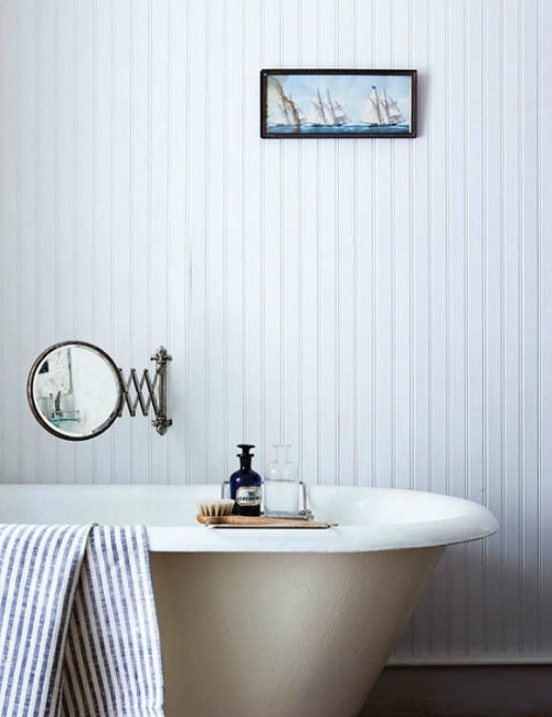 vintage bathtub (via desire to inspire -  Seth Smoot)