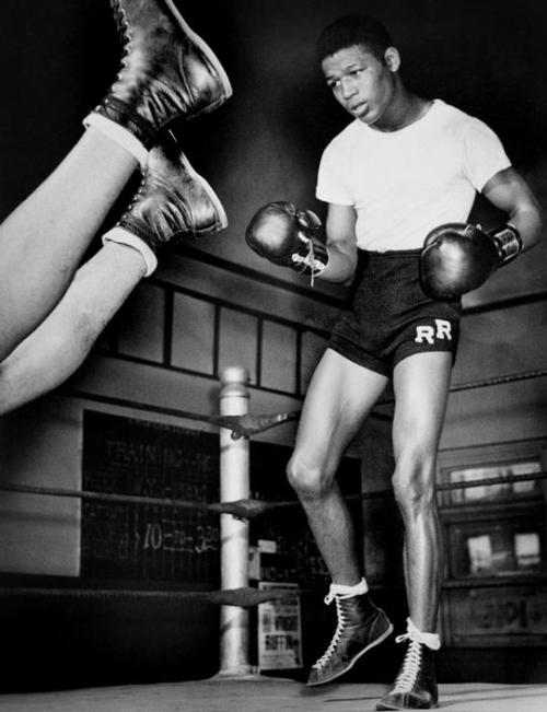 thesoulfunkybrother:  Sugar Ray ROBINSON. Circa 1940.