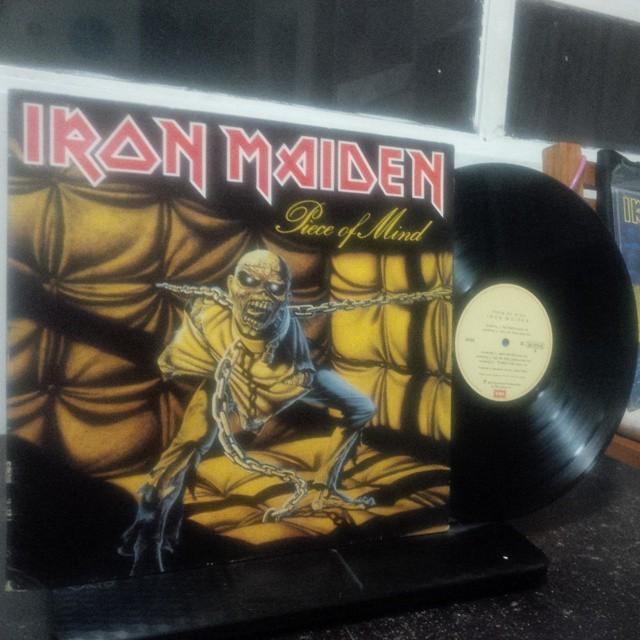 "#ForSale ""IRON MAIDEN / PIECE OF MIND"" 1983 Press: Brasil. 06407724 D. Sleeve: Excelent Record: Excelent. $400 MXN. + Envío. ($30 Dlls. + Sh.) #LP #33RPM #Rock #HeavyMetal #HardRock #IronMaiden #PieceOfMind #Brasil. #Vinyl #VinylTheKid #VinylCollector #VinylForSale #Records #Vinilo #VinylCollection #onevinylcommunity #VinylCommunity  (en The Tower of Song)"