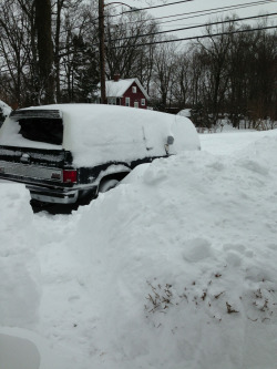 cluelesslyyourstruly:  The snow ate my car.  meanwhile in Connecticut