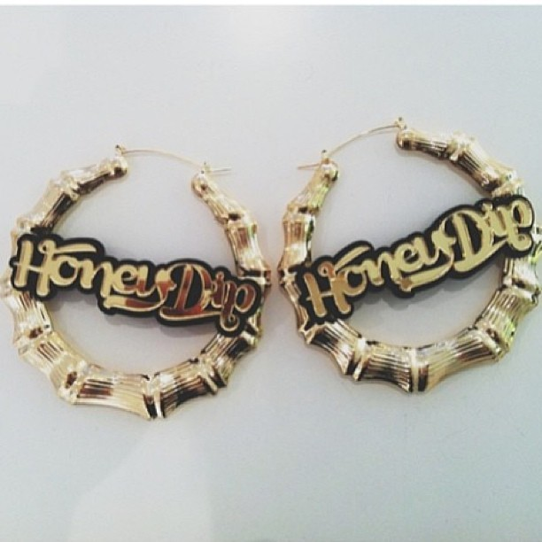 Love these custom earrings we made for @ana_victorious #melodyehsani #TeamME #love #custom #gold